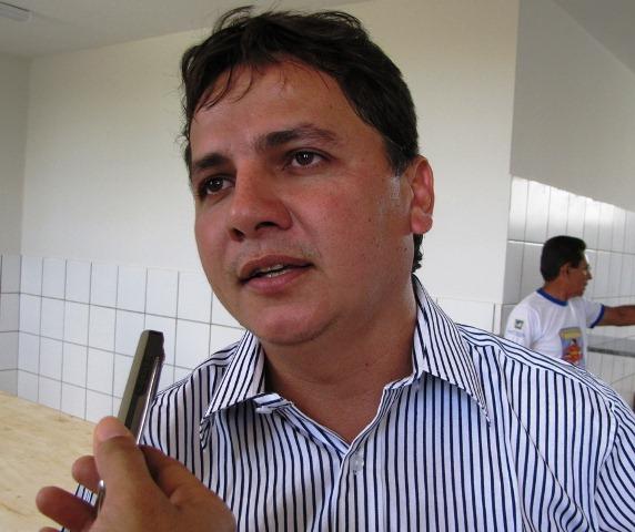 Photo of TSE defere registro de candidatura e Everardo Moura retornará ao cargo de prefeito de Isaias Coelho