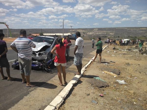 Photo of Santo Antônio de Lisboa: acidente envolvendo uma moto e carro deixa dois homens feridos