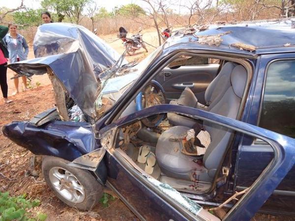 Photo of Grave acidente de Carro fere irmãos em Ipiranga