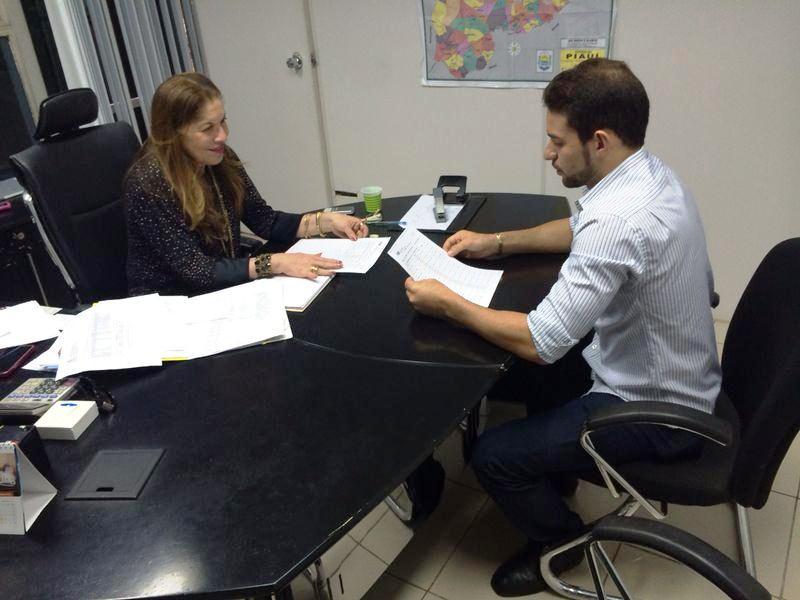 Photo of Jader assina convênio que garante o  transporte dos alunos da rede estadual