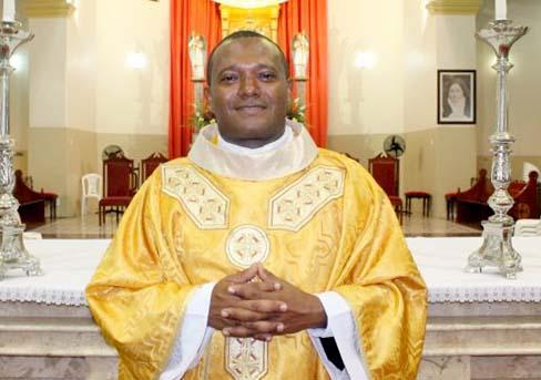 Photo of Primeira missa do Pe. José Vicente depois de sua ordenação