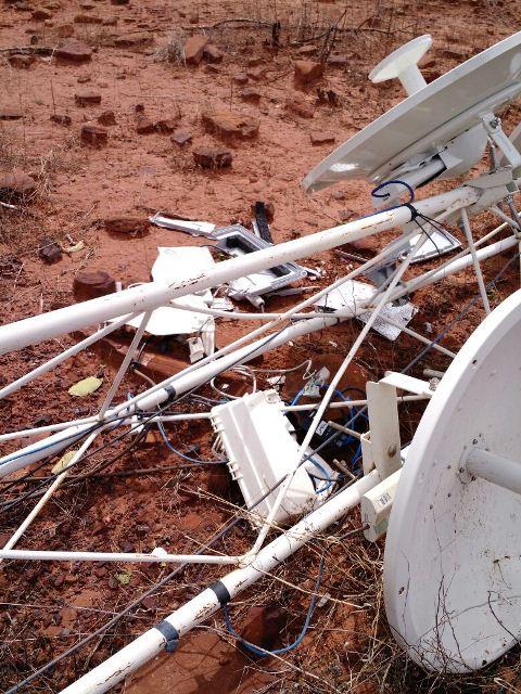 Photo of Forte chuva derruba torre de transmissão da Virtex