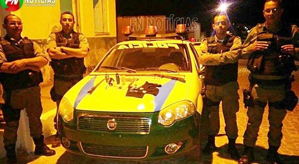 Photo of Polícia Militar prende dois homens, apreende drogas, arma, munições e carro irregular Isaías Coelho