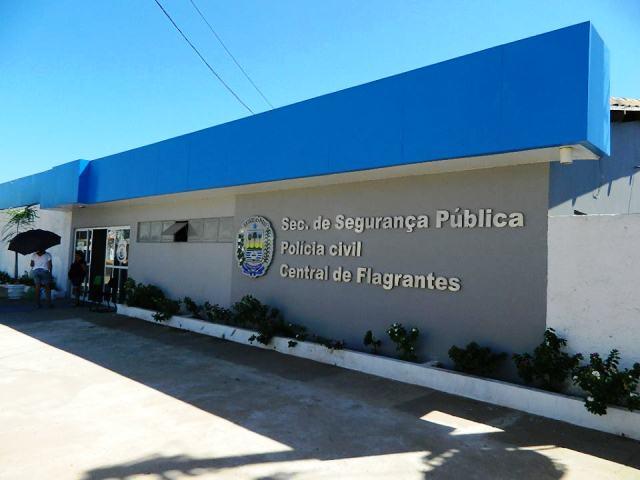 Photo of Suspeito de agiotagem é preso com documentos de vítimas e armas de fogo