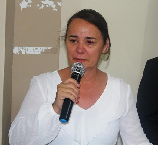 Photo of Sob forte comoção, Maria José é empossada prefeita de Santana do Piauí