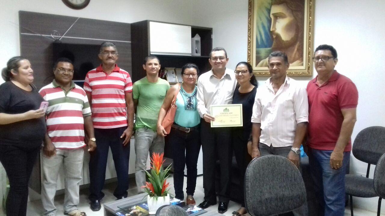 Photo of Padre Walmir recebe presidente de associação e assegura obras para o bairro Boa Vista