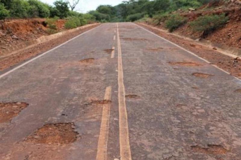 Photo of Buracos tomam conta da rodovia que liga Picos a Santana do Piauí