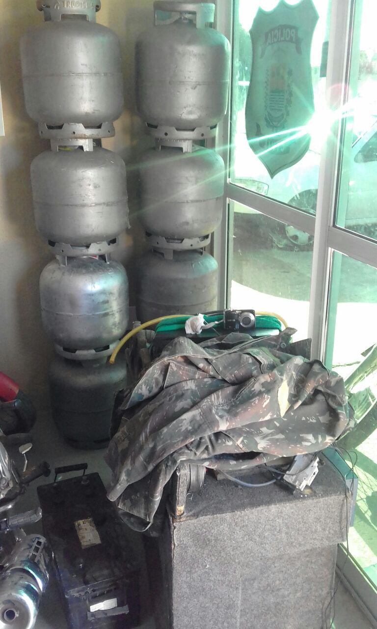 Photo of Homem é preso na zona rural de Geminiano em posse de objetos furtados