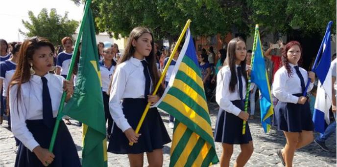 Photo of Monsenhor Hipólito usa criatividade em desfile destacando 60 anos de emancipação política