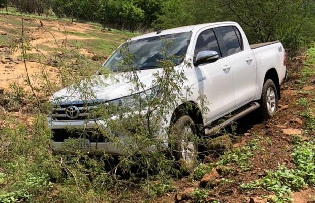 Photo of Prefeita de Santana do Piauí perde controle de veículo e por pouco não se envolve em acidente na PI-375