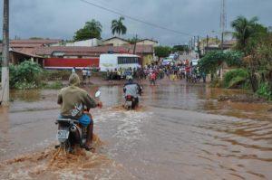 O grande volume de chuvas registrado causou alagamentos em vários pontos da cidade - Piauí em Foco