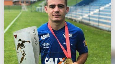 Photo of Jovem de Simões é escalado para treinar com time profissional do Cruzeiro