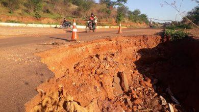 Photo of Erosão interdita trecho da rodovia que liga Picos a Santana do Piauí