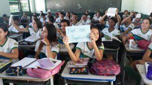 Em Pio IX, professores e alunos protestam contra superlotação de turmas em escola estadual