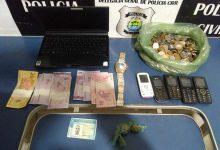 Photo of Homem é preso em posse de drogas no bairro Catavento