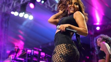 Photo of Em Araripina, Anitta se assusta e interrompe o show com invasão de fã no palco; veja!